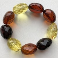 Big beads faceted amber bracelet