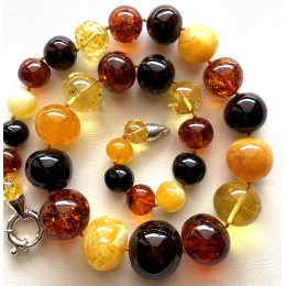 Baroque shape Baltic Amber necklace 73 g.