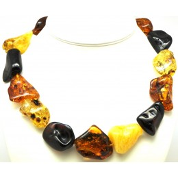 Natural shapes short Baltic amber necklace