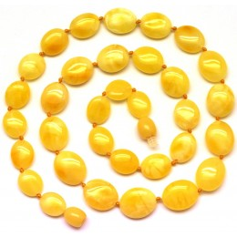 Button shape  yellow Baltic amber short necklace
