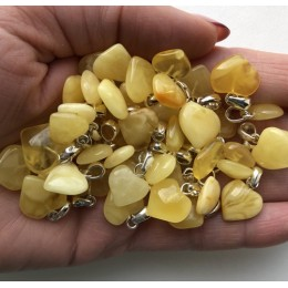 50 g Yellow amber heart pendants