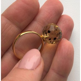 Faceted amber ring