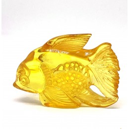 Hand carved Baltic amber figure of fish 10 g