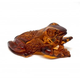 Hand carved Baltic amber figure of frog 9 g.