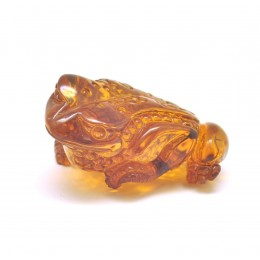 Hand carved Baltic amber figure of frog