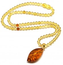 Lemon Baltic amber round beads necklace with pendant